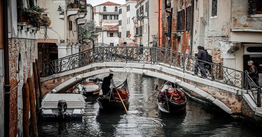 Venice Gondola Tour